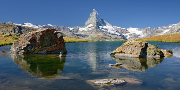 Petit Cervin vu du lac Stellisee, Matterhorn seen from Stellisee Lake
